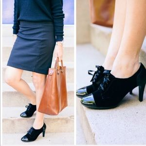 Black patent leather oxford lace up ankle booties!